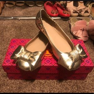 Tory Burch gold leather driver ballet flats size 5